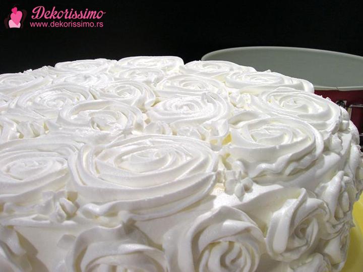 Dekorissimo torta sa sumskim vocem 3