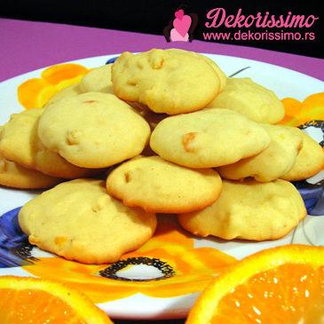 Keks sa belom čokoladom i pomorandžom
