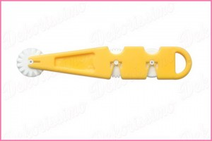 K2020 - Sekač za fondan sa 3 nastavka, žuti